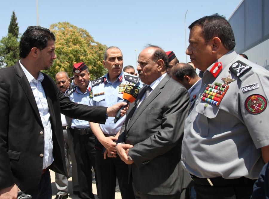 وزراء الداخلية والمالية والاشغال يزورون مركز حدود جابر