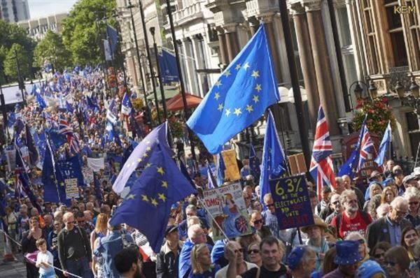 مسيرات في لندن لإستفتاء ثان حول البريكست