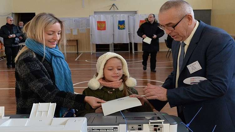 روسيا تبداء انتخابات يختارون فيها رئيسا لبلادهم لولاية مدتها 6 سنوات.