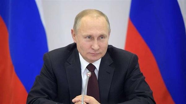 بوتين يضرب العملة الأمريكية في مقتل