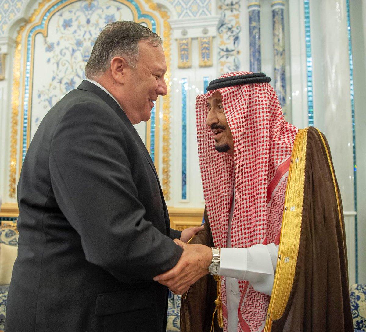 العاهل السعودي يستقبل وزير الخارجية الأمريكي في الرياض