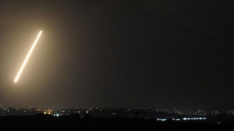 سقوط صاروخ من سيناء على قاعدة عسكرية للإحتلال الإسرائيلي في ايلات
