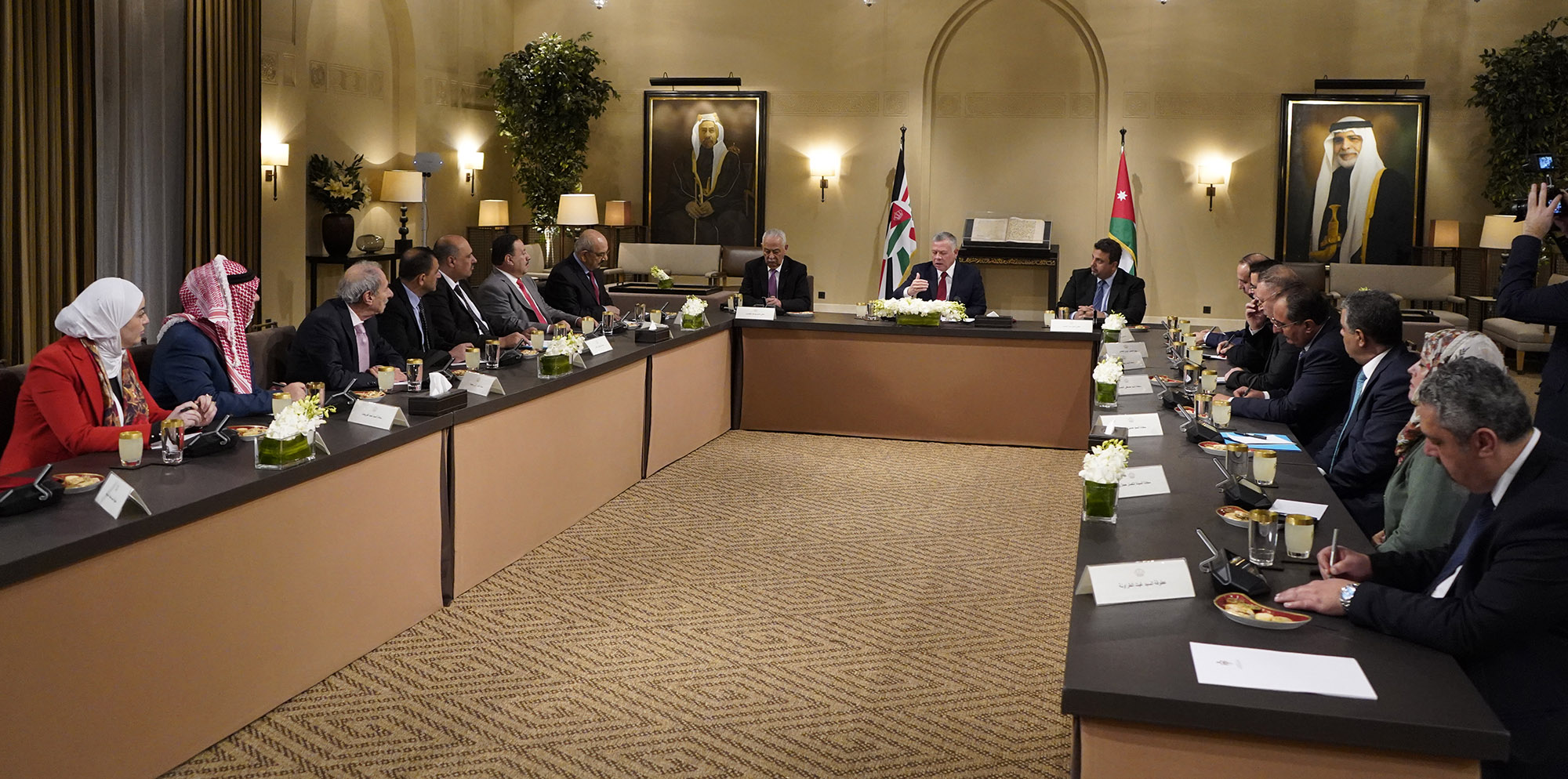 الملك يؤكد ضرورة التوضيح للمواطن الأردني الأولويات والبرامج التي يسير بها الأردن نحو المستقبل