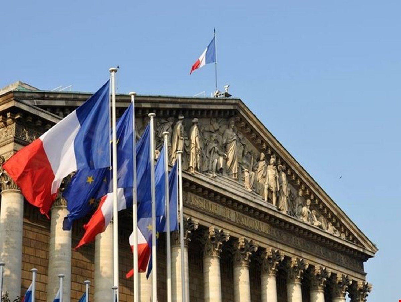 الخارجية الفرنسية تستدعي سفيرها لدى طهران وتسلمه مذكرة احتجاج