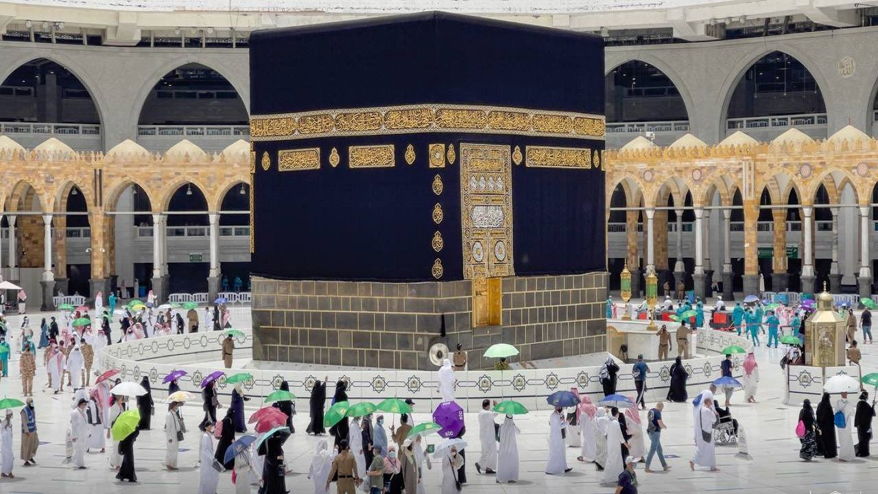السعودية: الحجاج يتوافدون الى المسجد الحرام لأداء طواف الوداع