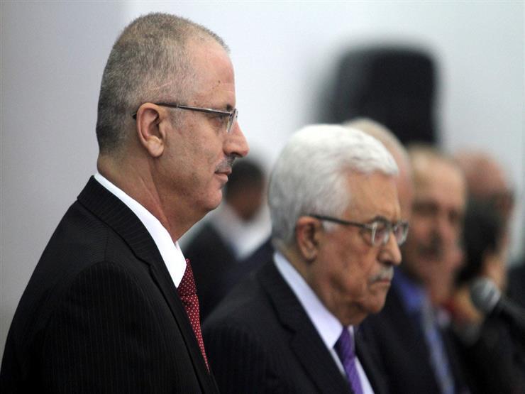 صحيفة تكشف عن خلافات حادة تتسبب في تأخر صرف رواتب موظفي السلطة الفلسطينية