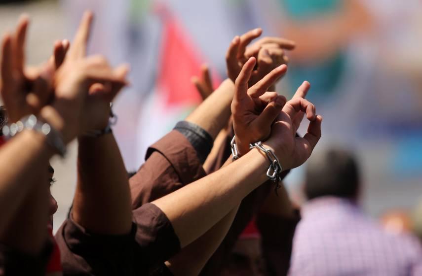 """""""الحركة الأسيرة"""" توضح تفاصيل الاتفاق مع مصلحة سجون الاحتلال الإسرائيلي"""