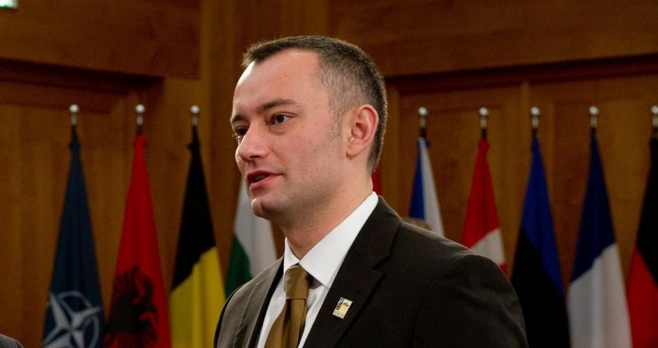رغم النفي الإسرائيلي.. ملادينوف يؤكد التوصل إلى اتفاق تهدئة مع حماس