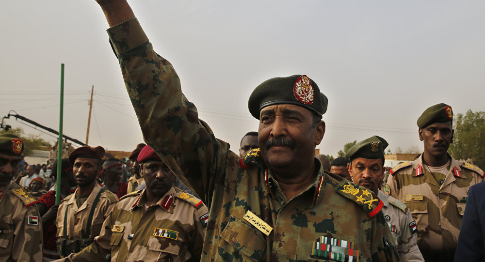 رئيس المجلس العسكري السوداني يلقي كلمة للشعب
