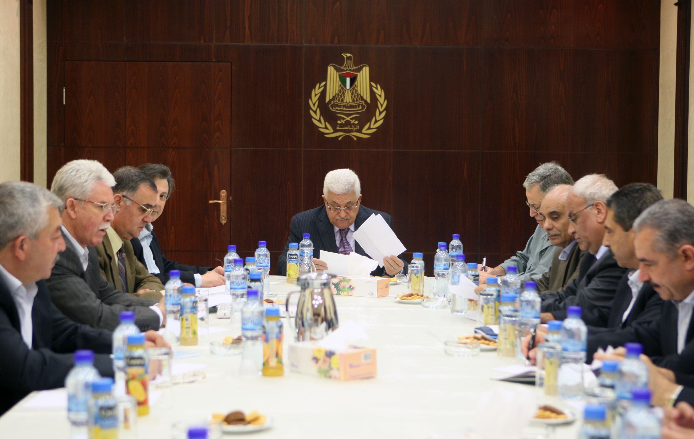 اللجنة التنفيذية تعقد اجتماعاً مهماً اليوم وكلمة متلفزة للرئيس عباس