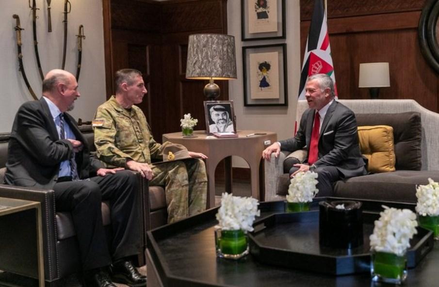 جلالة الملك عبدالله الثاني يستقبل رئيس قوات الدفاع الأسترالية