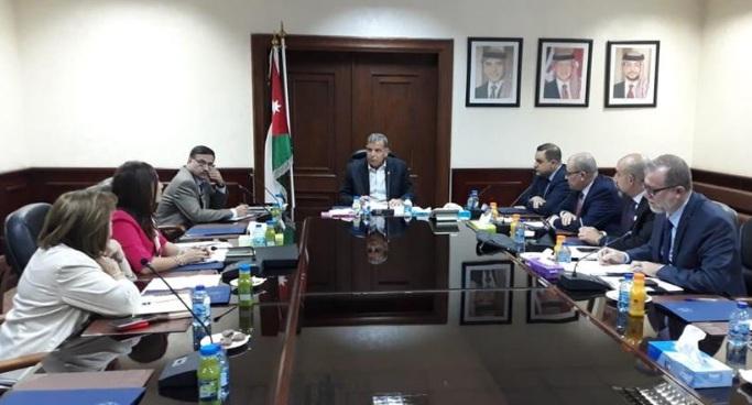 اللجنة الوزارية المعنية بأسعار الدواء تعقد اجتماعها الأول