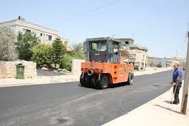 المباشرة بتعبيد 40 شارعا رئيسيا في عمان