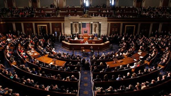 """النواب الأمريكي يطلب بومبيو للشهادة بشأن قتل سليماني ويهدده بـ """"إجراءات قاسية"""""""