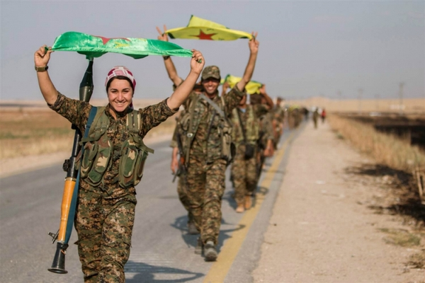 نواب فرنسيون يطالبون ماكرون بدعم الوحدات الكردية