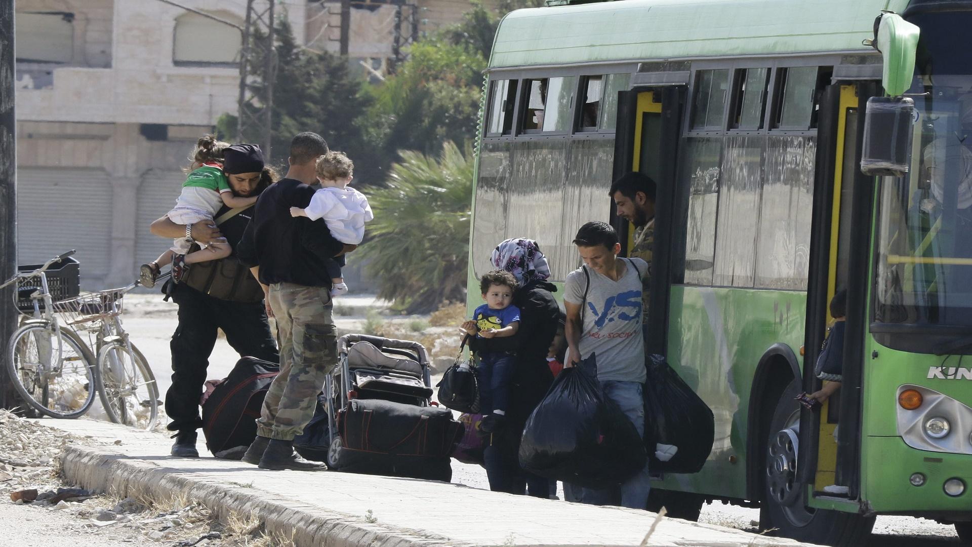 مصدر أمنى سورى: خروج 1500 مسلح من ريف درعا إلى إدلب