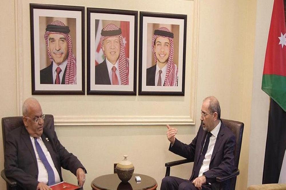 الصفدي وعريقات يؤكدان تماهي الموقف الأردني والفلسطيني فيما يتعلق بعملية السلام
