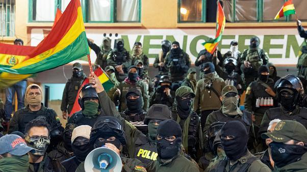 """""""موراليس"""" يندد بتمرد وحدات من الشرطة في عدة مدن بوليفية"""