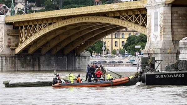 العثور على أربع جثث مع انتشال حطام سفينة غرقت في المجر