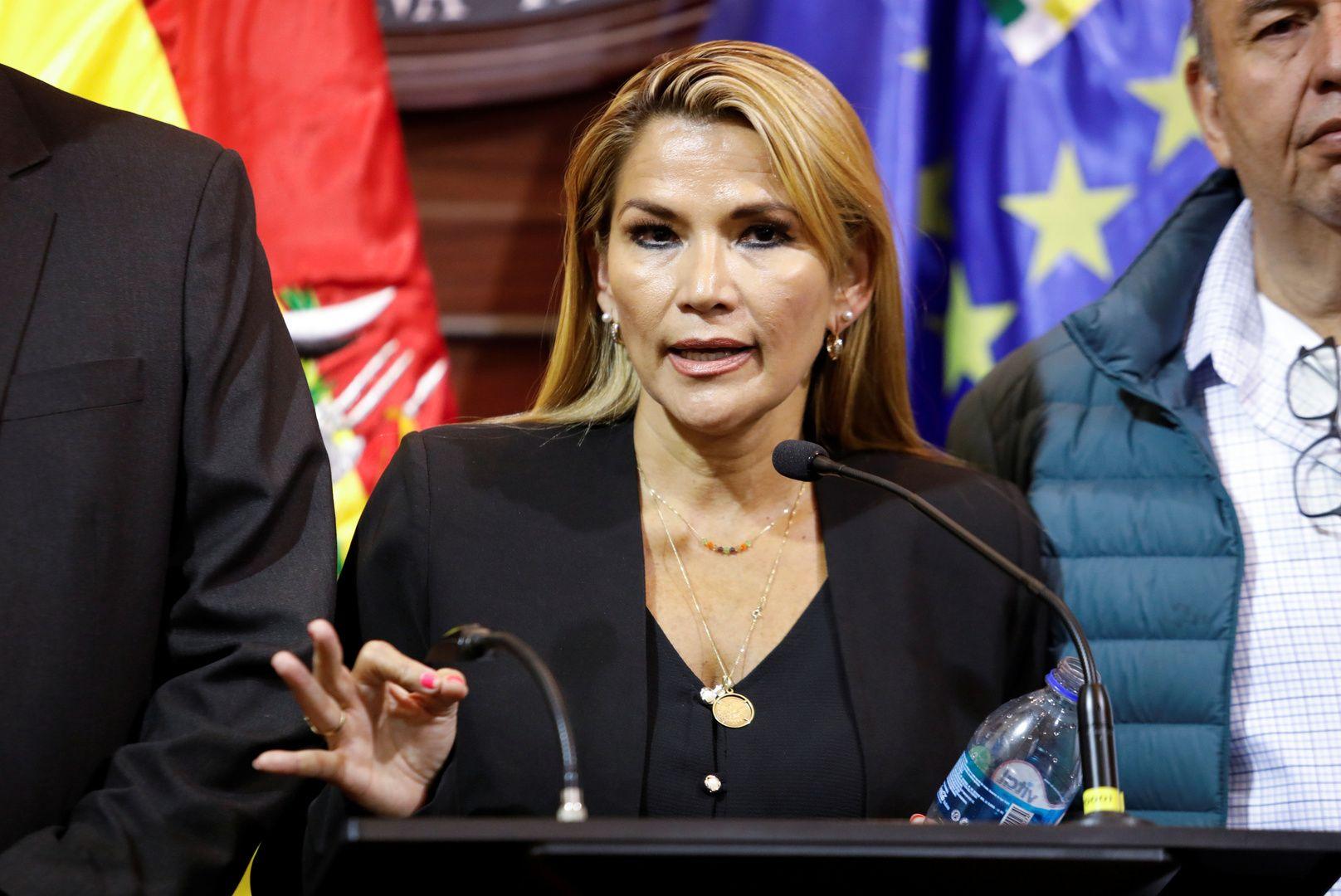 أمريكا تعترف بآنيز رئيسة لبوليفيا