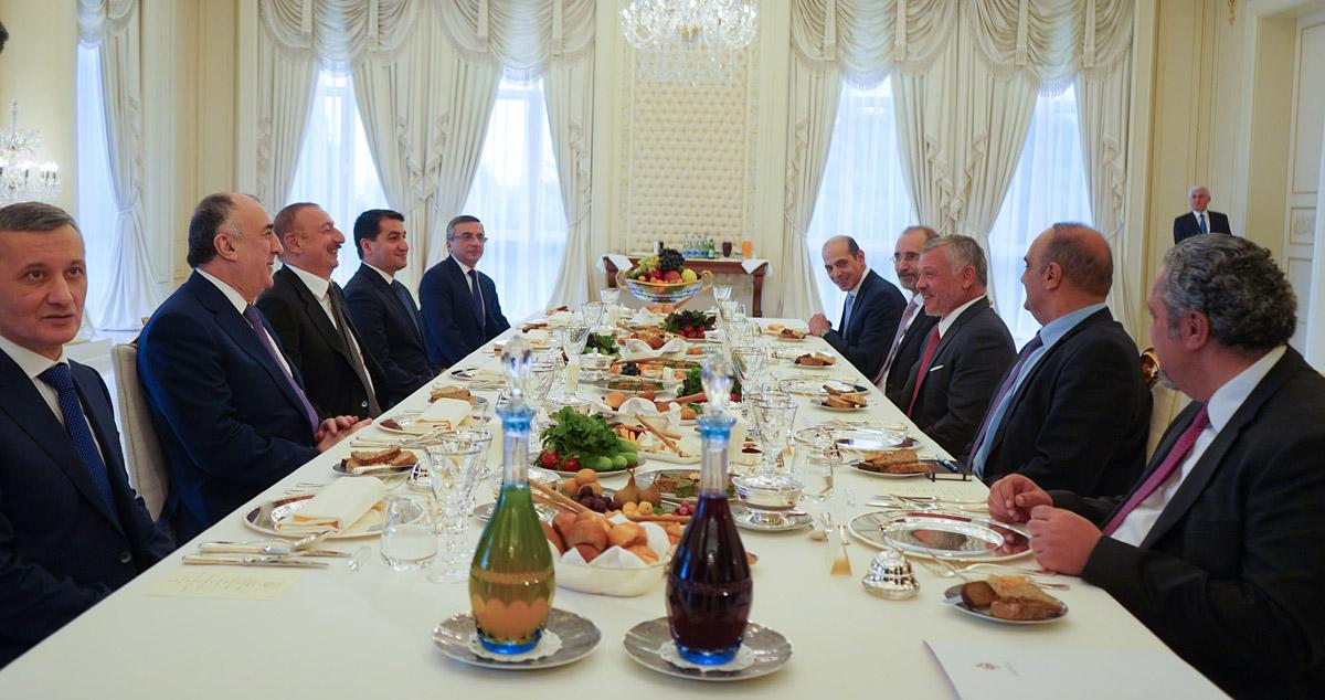 جلالة الملك عبدالله الثاني والرئيس الأذربيجاني يعقدان مباحثات في باكو