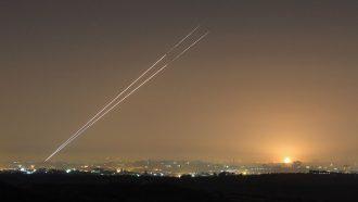 الإعلام العبري: إطلاق صواريخ من غزة نحو إسدود حيث تواجد نتن ياهو