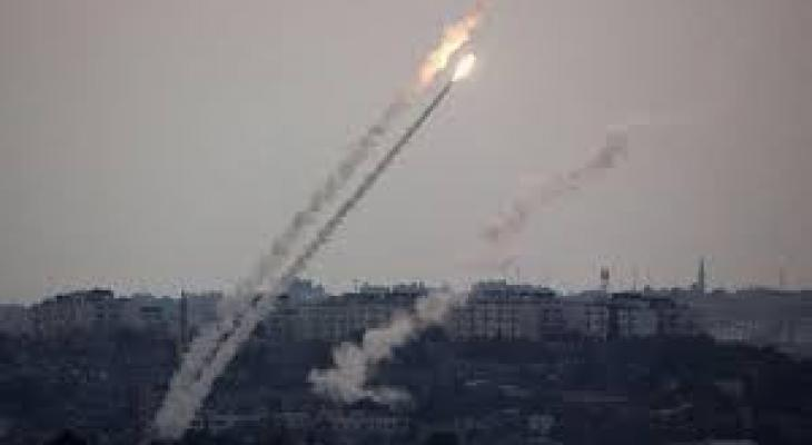 المقاومة الفلسطينية تطلق 3 صواريخ على جنوب اسرائيل و جيش الإحتلال يقصف غزة