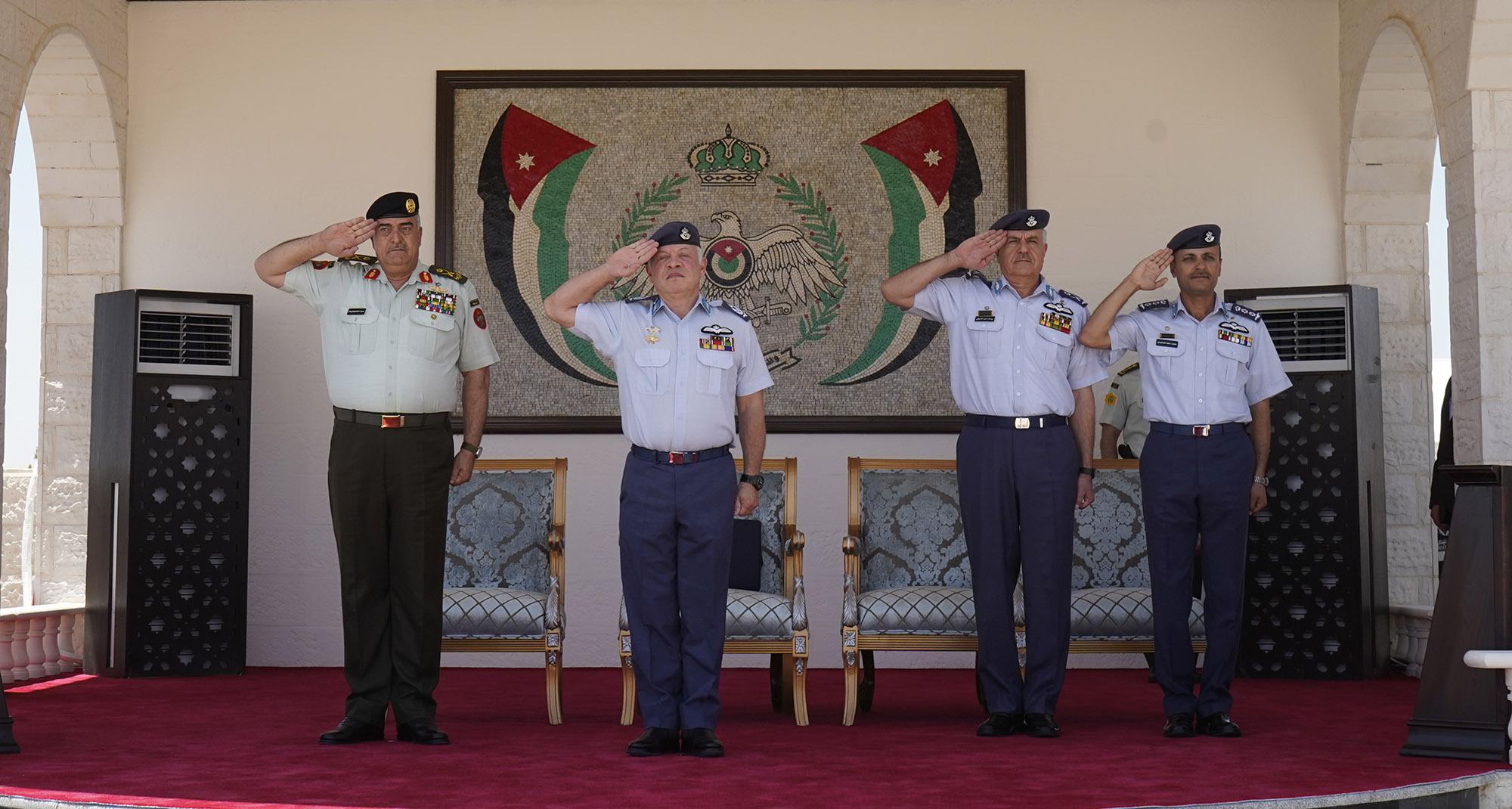 جلالة الملك عبدالله الثاني يرعى حفل تخريج دورة مرشحي الطيران