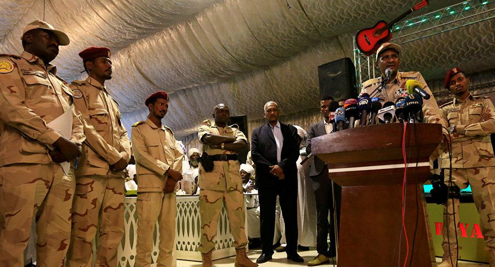 بعد بيان العسكري الانتقالي... تعليق الإضراب والعصيان المدني في السودان