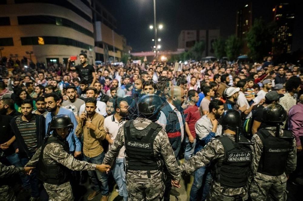 دعوات للالتزام بالطرق الحضارية في الاحتجاجات وعدم التخريب