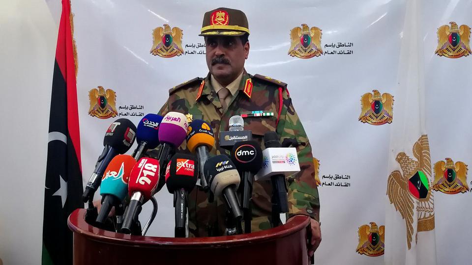 المسماري يتهم رئيس حكومة الوفاق الليبية بعقد صفقات سلاح في أوروبا