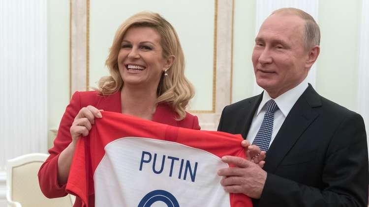 """""""نجمة المونديال"""" رئيسة كرواتيا ترفض عزل روسيا"""