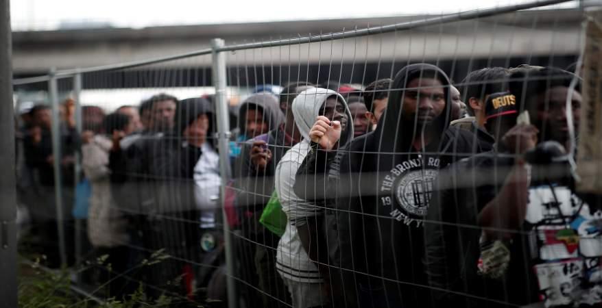 إيطاليا تستدعي السفير الفرنسي لديها بسبب تصريحات عن اللاجئين