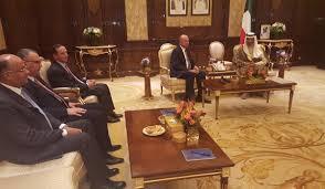 الفايز ورئيس مجلس الوزراء الكويتي يبحثان علاقات التعاون المشترك