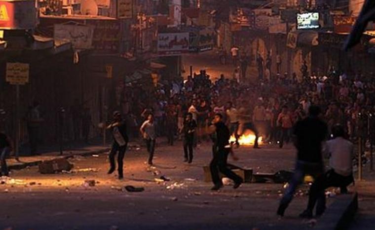 مواجهات عنيفة واعتداءات للمستوطنين بنابلس