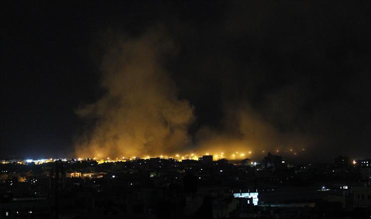 طائرات الاحتلال الإسرائيلي تقصف عددة أماكن في قطاع غزة