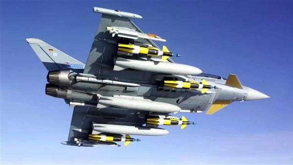 قطر تطلب قرضاً لشراء مقاتلات تايفون