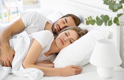 العلاقة الحميمة.. تحمي الزوجين من الإصابة بـ 10 أمراض