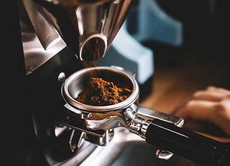 تناول فنجان من القهوة قبل العلاقة الحميمة بـ 75 دقيقة