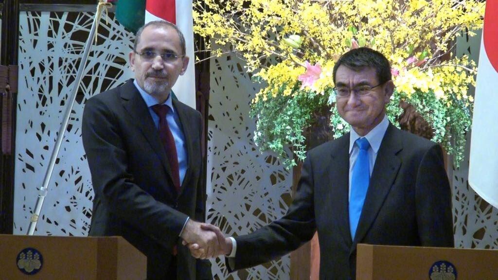 الصفدي يبحث العلاقات الثنائية والدولية مع وزير الخارجية الياباني