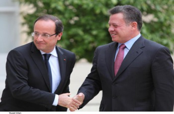 الملك يبحث مع الرئيس الفرنسي تطورات الأوضاع في غزة