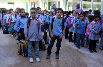 التربية: لا تأخير على دوام المدارس