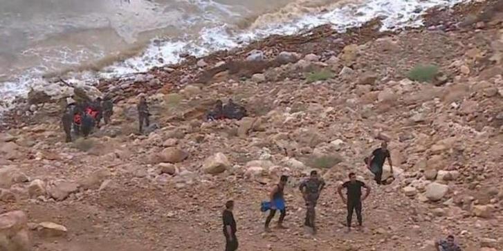 21 وفاة و35 إصابة والبحث عن مفقودين بحادث البحر الميت ... تحديث