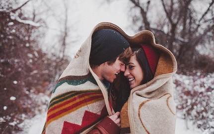 فوائد العلاقة الحميمة في الشتاء !
