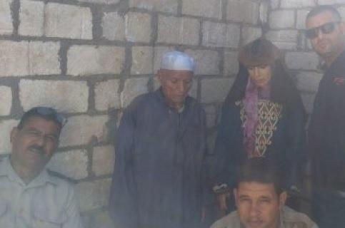 عجوز وزوجته يذبحان زوجته الثانيه لشكهما فى سلوكها