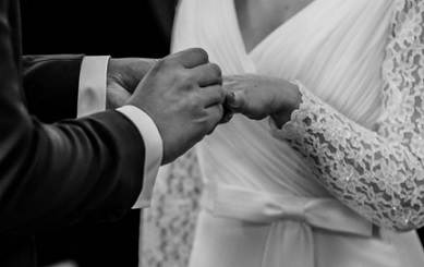 هل يُجبر الشاب على الزواج ؟!