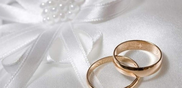 إختطاف عريسين وضربهما وتصويرهما عراة قبل العرس