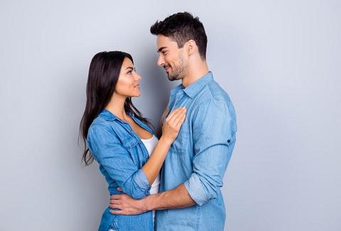 فوائد رائعة وصحية للمساج قبل العلاقة الحميمة