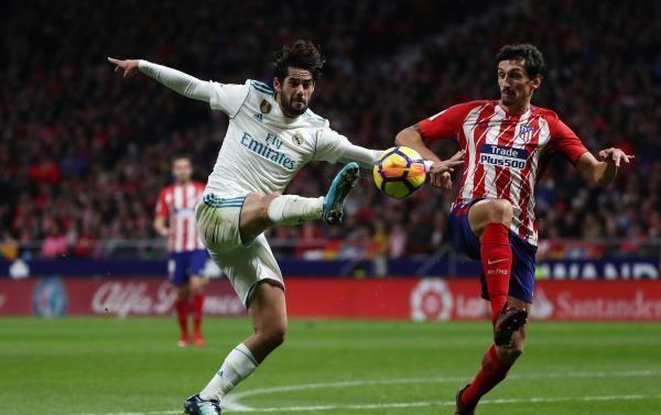 أتلتيكو وريال مدريد يقدمان هدية لبرشلونة