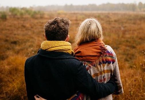 """حب ولمس وجنس.. كيف يغير """"كورونا"""" مجرى حياتنا العاطفية"""